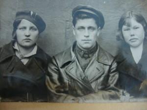 Прокопий Никитич Сторожев, справа его жена Татьяна Семеновна